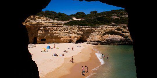 Hotel Occupancy in the Algarve Falls by 3% in July