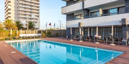 Hotel Luna Alvor Bay on Auction for €20.2 Million